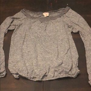 Lace detail soft long sleeve